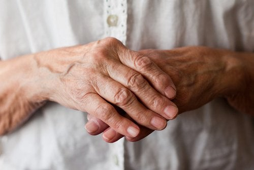 8 natürliche Mittel zur Linderung der Arthritis in Händen und Handgelenken