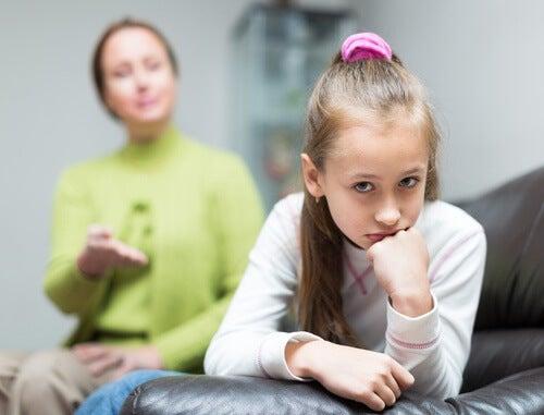 Kind erträgt Kritik