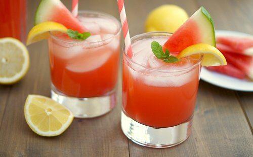 Schmackhafter Smoothie mit Wassermelone gegen Blähungen