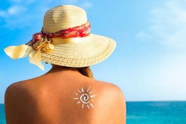 Sonnenschutz zur Hautpflege gegen Falten