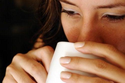 Ist es besser, warmes Wasser zu trinken?