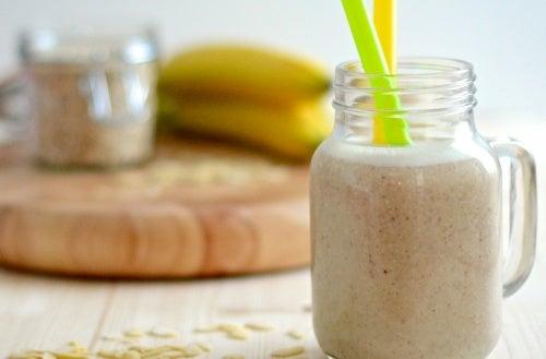 Bananenmilch mit Mandelmilch