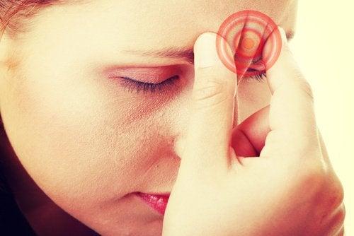 8 Hausmittel gegen Migräne und Kopfschmerzen