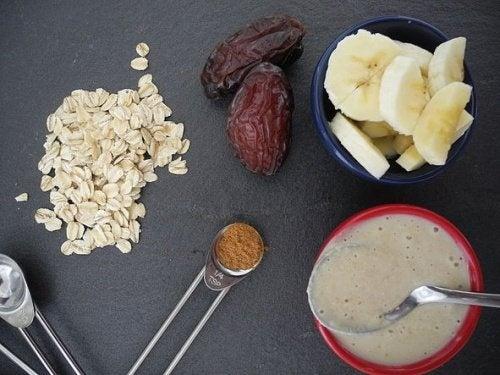 Hafer-Banane-Dattel