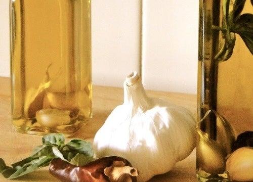 Knoblauchöl als Hausmittel zur Wundheilung