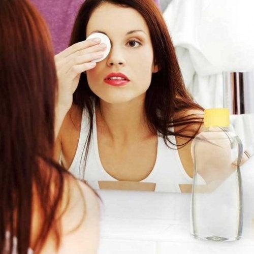 Make-up entfernen mit Babyöl