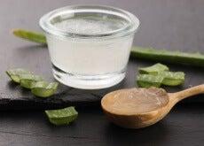 Natürliche-Behandlung-mit-Aloe-Vera-gegen-Schuppenflechte