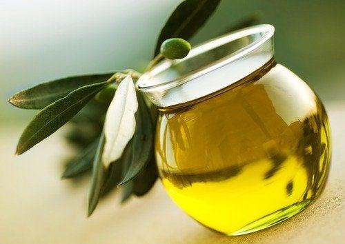 Olivenöl für die Wimpern