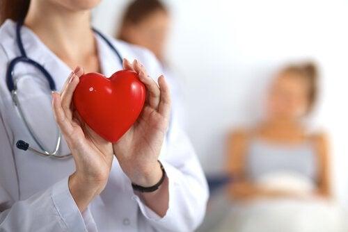 Ärztin-Herzproblem