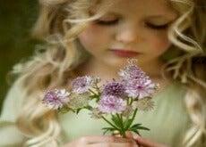 Kind Blume