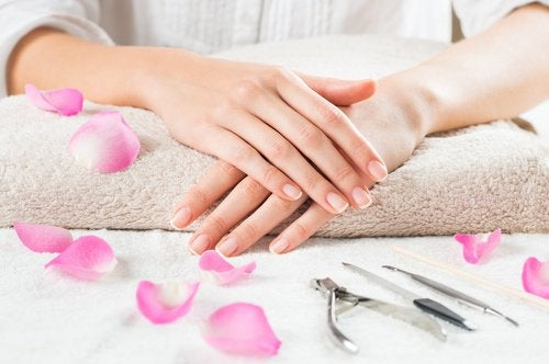 Pflege gegen brüchige Nägel