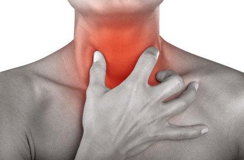 Anwendungen von Natron bei Halsschmerzen