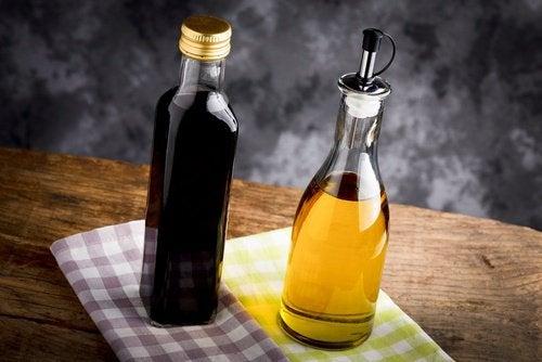 Öl und Essig gegen brüchige Nägel