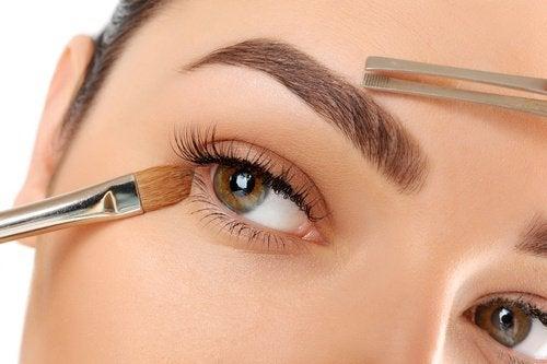 10 Tipps für schöne Augenbrauen