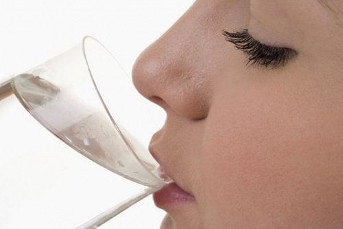 reinigende Kur: während der Kur viel Wasser trinken