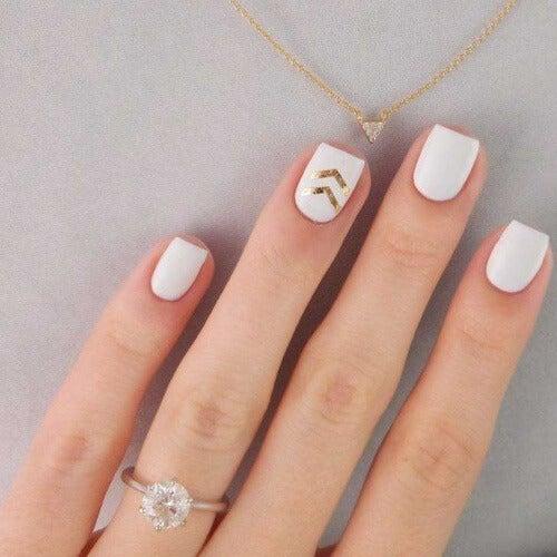 weiße-Nägel