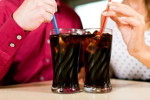 Cola verursacht Kopfschmerzen