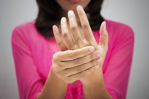 Warum schlafen deine Hände nachts ein?