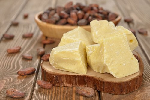 Kakaobutter für die Haut an den Knien