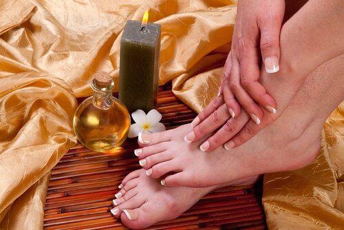 Rizinusöl für schöne Füße