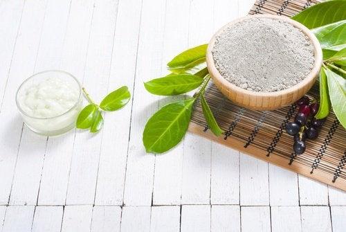 Salz und Honig gegen Hautunreinheiten