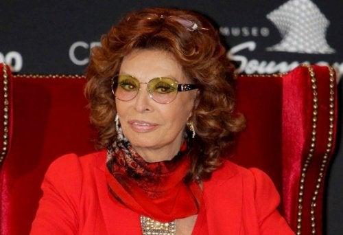 Sophia Loren elegant und schön