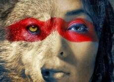 Frau ist Wolf