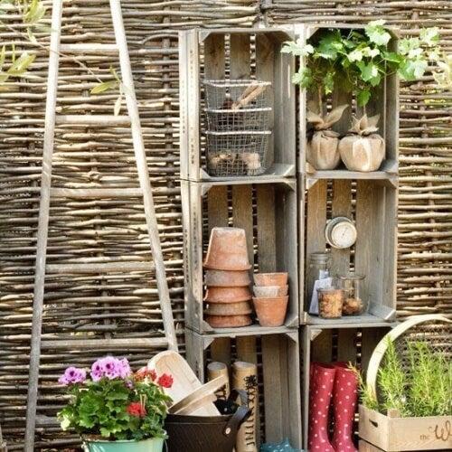 Gartenmöbel aus Holzkisten