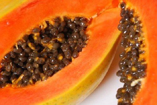 Papaya gegen Mitesser