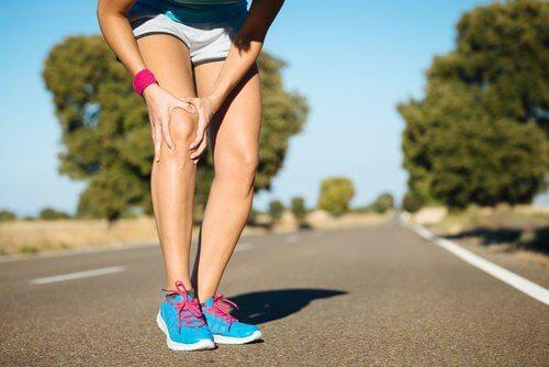 Knie verursacht Schmerzen