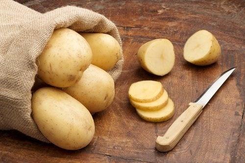 Rohe Kartoffeln gegen Rost