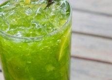 9-Gründe-warum-du-täglich-Gurkenwasser-trinken-solltest