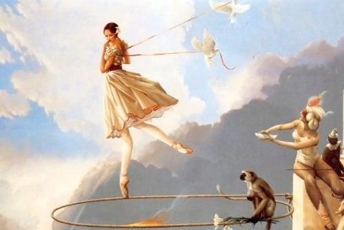 Frau schwebt in der Vergangenheit