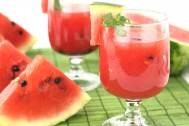 Getränk mit Wassermelonensamen