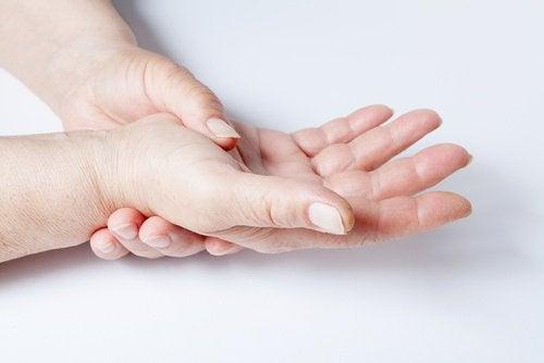 Handgelenk mit Gelatine stärken