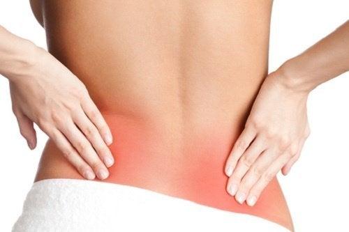 Schmerzen am Rücken können durch Ischialgie verursacht werden
