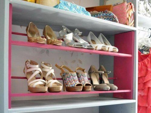 Schuhregal-Schuhe