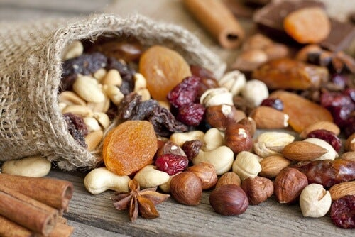 Ernährung bei zu hohen Cholesterinwerten: Trockenfrüchte