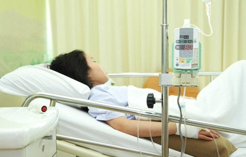 frau-im-krankenhaus-mit-toxischem-schocksyndrom