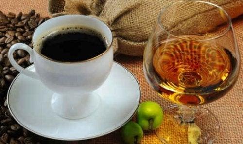 kaffee-mit-alkohol