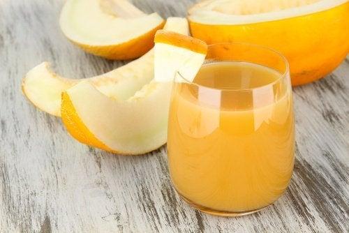Melonenwasser zum Abnehmen und für einen besseren Schlaf