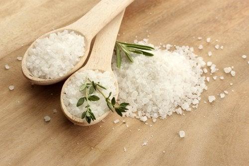 Salzkonsum bei Cellulite reduzieren