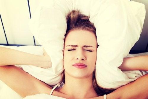 Warum wache ich mit Kopfschmerzen auf?