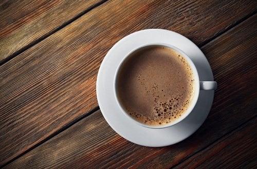 6 Zutaten die du nie für deinen Kaffee verwenden solltest