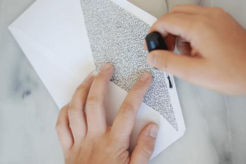 Briefe versiegeln mit Nagellack
