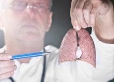 arzt-forscht-ueber-lungenkrebs