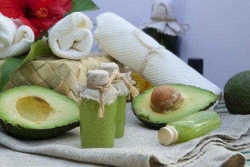 avocado-gegen-trockene-haut