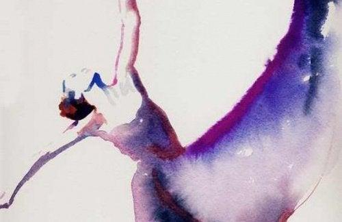 frau-tanzt-und-zeigt-mut
