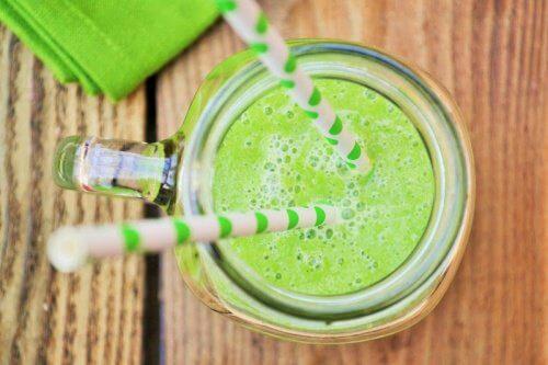 Rezept für kaliumreichen Shake: Melonen-Gurken-Apfel-Smoothie