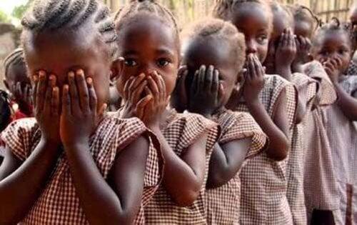 afrikanische-maedchen-genitalverstuemmelung